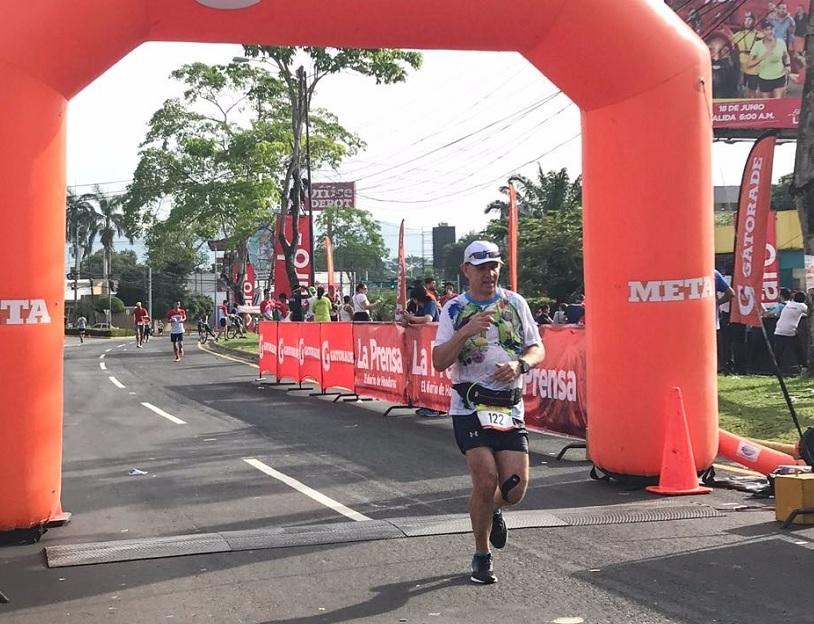 Participación del Dr. Carlos Paz Haslam en la 41 Maratón Internacional de LA PRENSA.